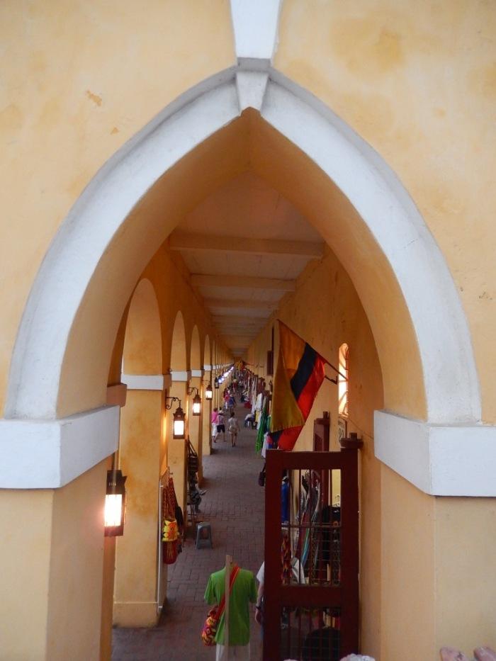 Las Bóvedas, local de compras