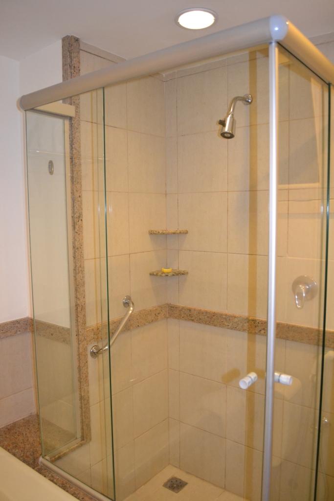 Chuveiro separado da banheira