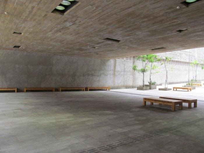 Espaço para descansar na Praça das Artes