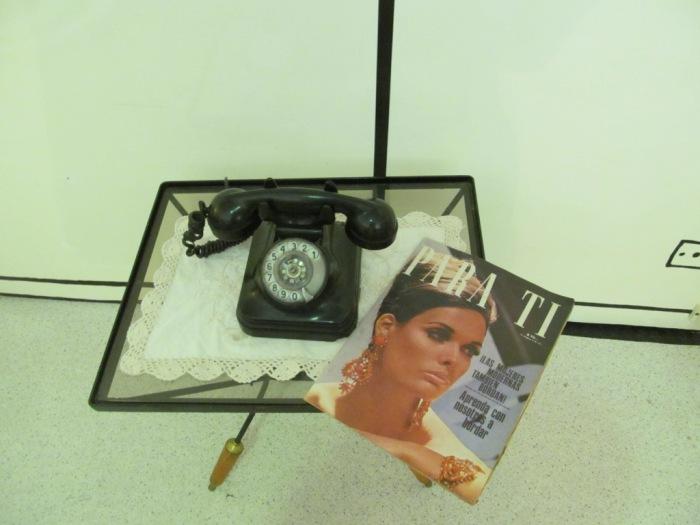 Telefone e revista da época que Mafalda foi criada