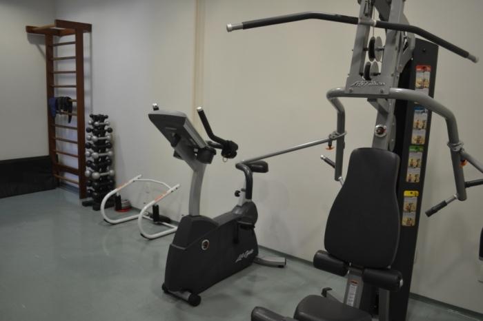 Mais equipamentos da academia (fitness center)