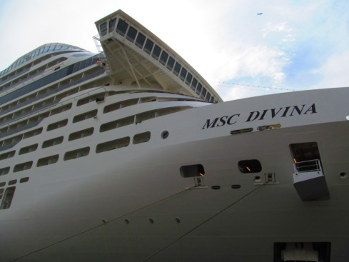 Dezoito decks no MSC Divina