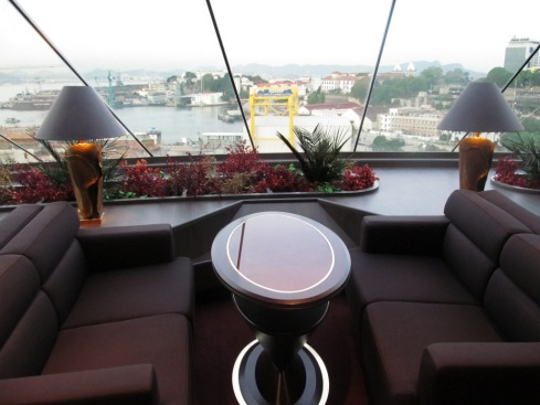 Vista do lounge Yatch Club