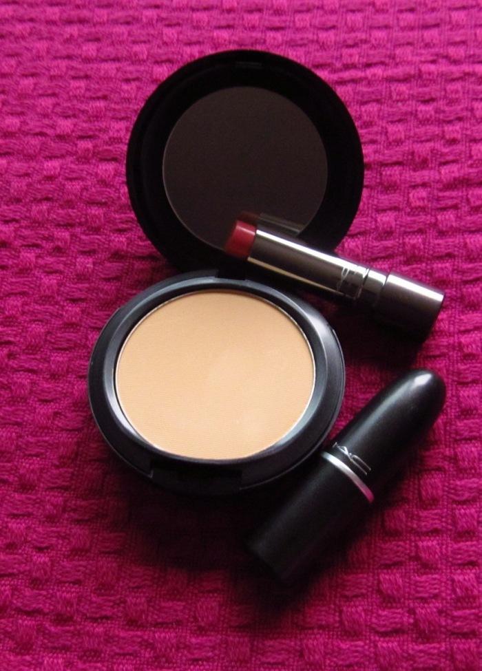 Maquiagens MAC não estão com preços muito menores nos EUA, por isso, só comprei esses produtos da marca