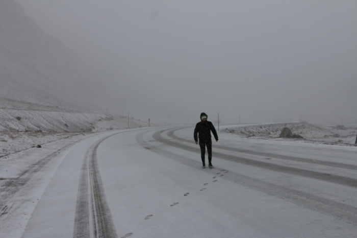 E, eum uns dez minutos, tudo ficou coberto de neve